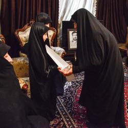دیدار اعضاء مرکز آموزش قرآن آستان مقدس با خانواده جانباز شهید رسول عشاقی