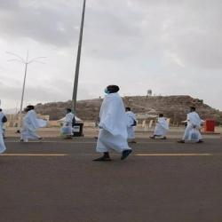 وقوف زائران در صحرای عرفات